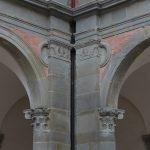 Palazzo Ducale-dettaglio portico metope angolari